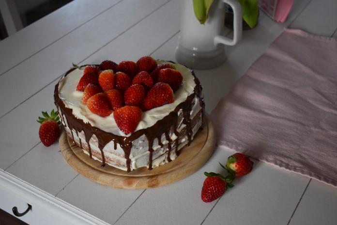 Misa dort s jahodama
